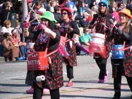 2008 Doo-Dah Parade: Betty's Bodacious Bangin' Bucket Brigade