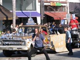 2008 Doo-Dah Parade: Drunk in the Garage
