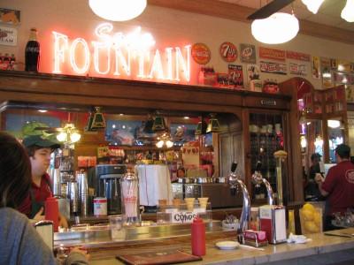 Rt 66: San Gabriel, Pasadena: Fair Oaks Pharmacy soda fountain