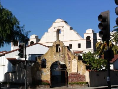 Rt 66: San Gabriel, Pasadena: mission arches