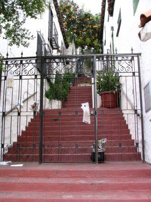 Sunset Boulevard - Part Four: Echo Park to Silverlake: hillside apartments