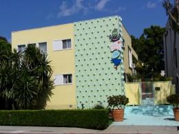 Sunset Boulevard - Part Sixteen: Brentwood, apartments 4