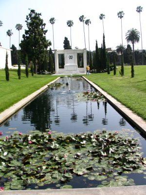 Sunset Boulevard – The Dead: Part 1 - Hollywood-Forever: Douglas Fairbanks Jr & Sr 1