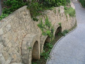Sunset Boulevard – coda: Getty Villa, road