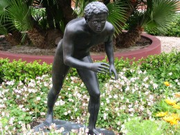 Sunset Boulevard – coda: Getty Villa, statue 1