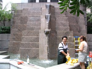 Wilshire Blvd Part 1: cleaning the fountain