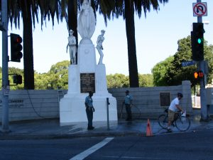 Wilshire Blvd Part 6: 2 soldiers & naked woman statue