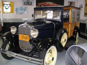 Wilshire Blvd Part 6: Ford woodie