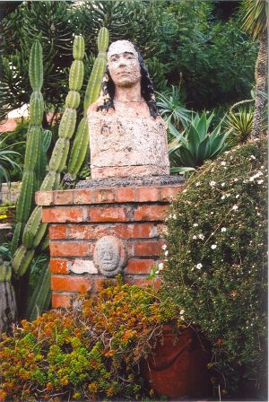 21 Missions: statuary 1