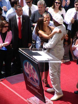 Halle Berry & Samuel L Jackson hugging