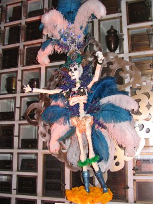 Hollywood Forever Day of the Dead: Calaca sculpture 2