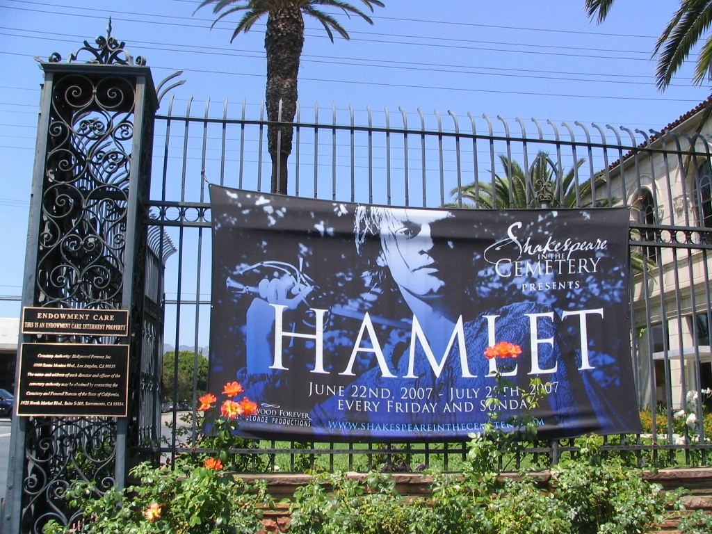Hollywood Forever, Hamlet