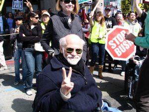 Hollywood Antiwar March: Ron Kovic flashing Peace