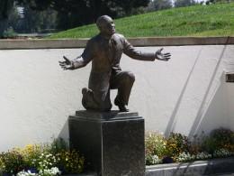 Al Jolson statue