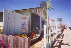Pier Ave gift shop