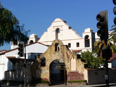 Rt 66: San Gabriel, Pasadena: mission arches