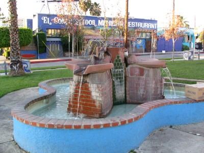 Rt. 66: Silverlake, blue fountain on Sunset