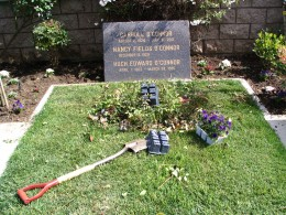 The Dead - Part 2: Pierce Brothers Westwood Village Memorial Park: Carroll O'Connor