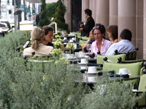 Wilshire Blvd Part 4: Beverly Wilshire sidewalk dining