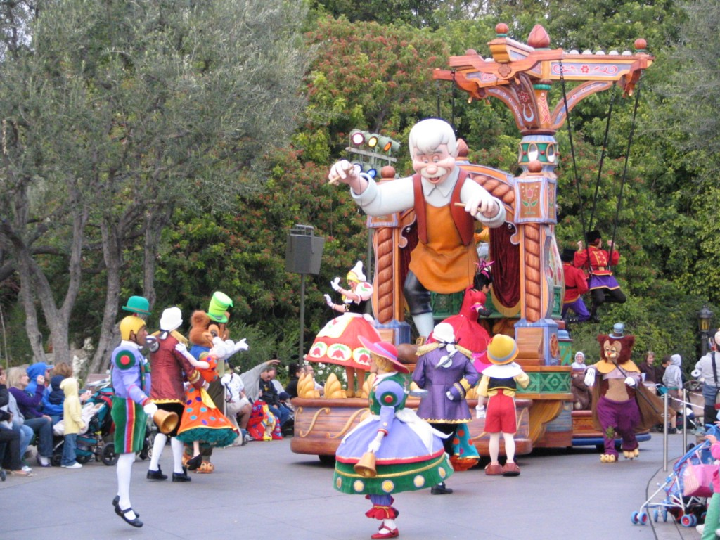 Disneyland and California Adventure Part 5: Pinocchio float