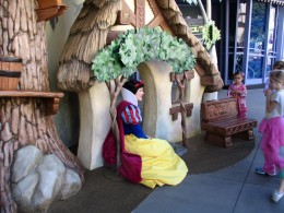 Disneyland and California Adventure Part 6: Snow White