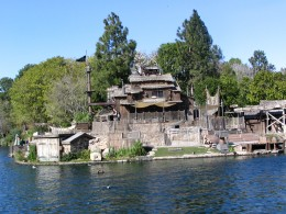 Disneyland and California Adventure Part 6: Tom Sawyer Island