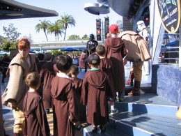 Disneyland and California Adventure Part 7: waiting to fight Darth Vader