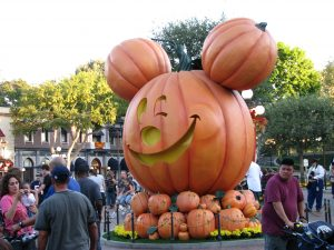 Disneyland and California Adventure Part 9: Main St Pumpkin Head