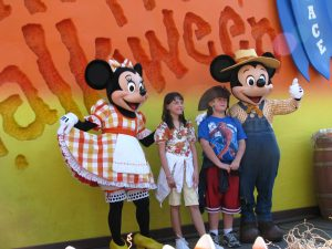 Disneyland and California Adventure Part 9: Minnie & Mickey photo op