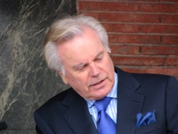 James Bacon: Robert Wagner