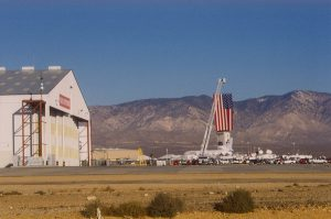 SSI: big hanger with big flag