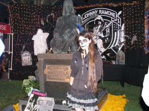 Day of the Dead 2008: posing with Johnny Ramone