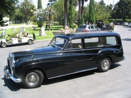 Rudolph Valentino 2008: Rolls Royce limo