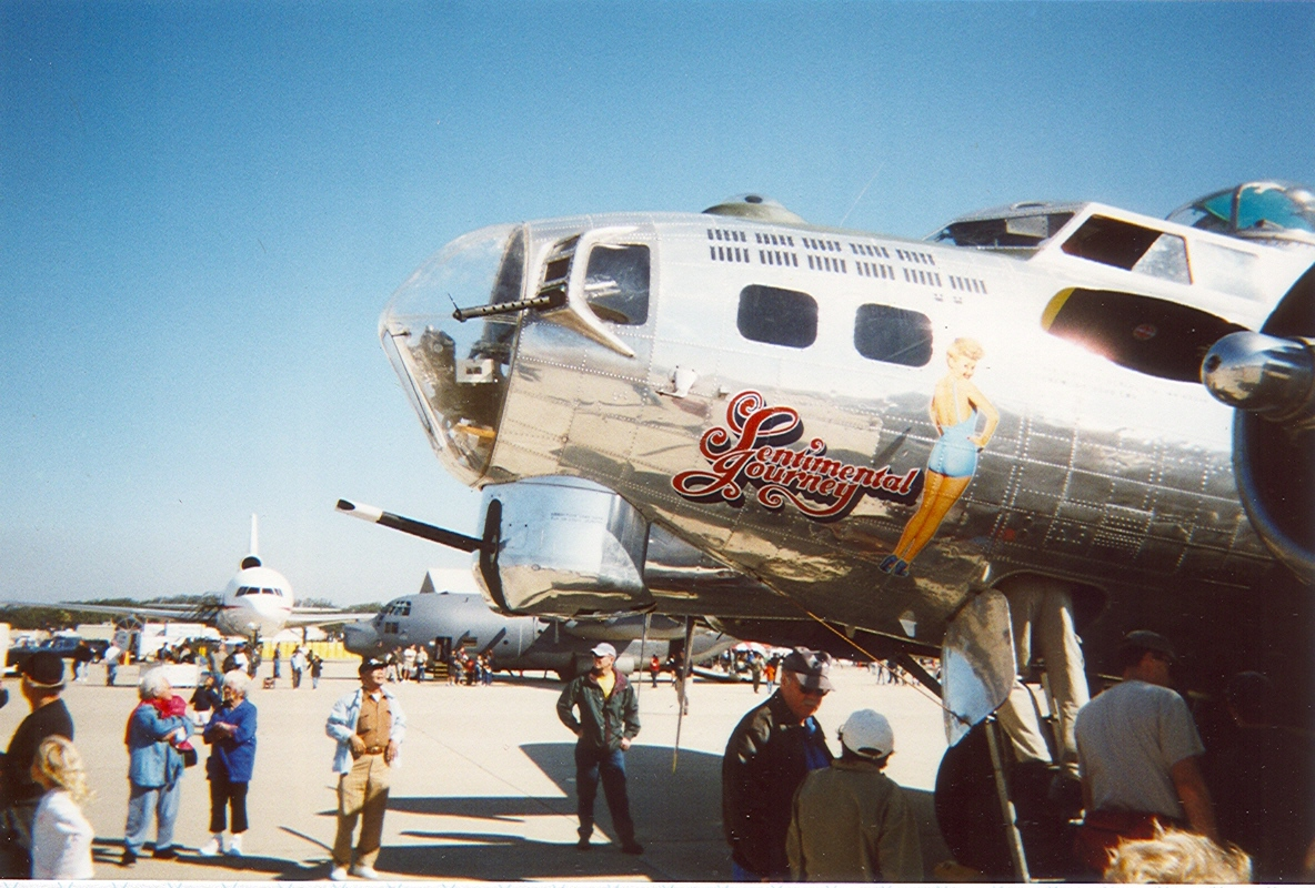 B-17 bomber SENTIMENTAL JOURNEY